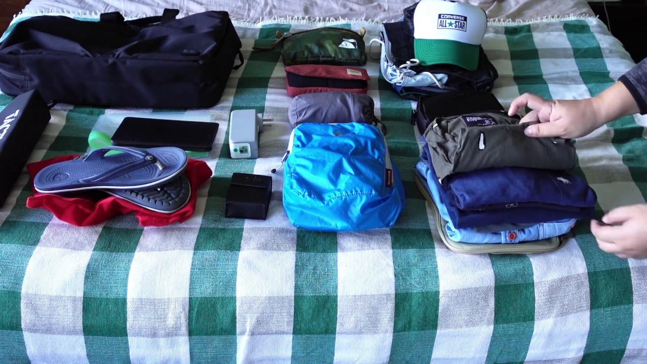 Packing for 5 days in Hanoi using the Uniqlo 3 way bag