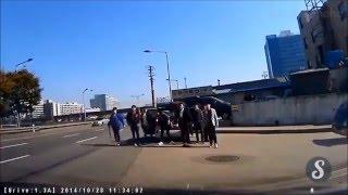 Korean Gang Fight Caught on Dashcam  HD