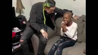 6ix9ine visita a niña con Cancer Terminal