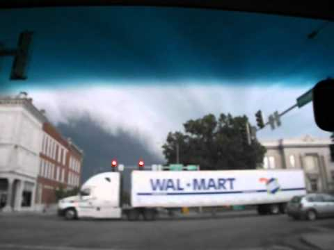 NEWS VIDEO EXTRA   STORM ARRIVING IN SALEM from U S  50 and Illinois 37 facing north
