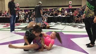 Girls BJJ Match - 20 second Armbar- F2W Europa 2017