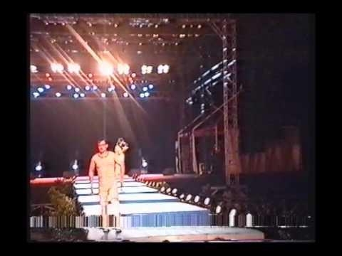 Ebadidon et Tubapiston-Défilé de mode 2003-Le Tampon..WMV