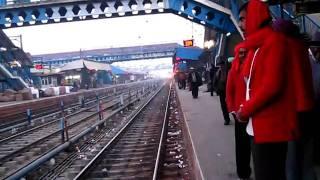 12014 AMRITSAR-NEW DELHI  ASR SHATABDI Express entering LUDHIANA JUNCTION!