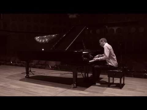 Vikingur Olafsson records Chopin : Prélude No 4 - E minor