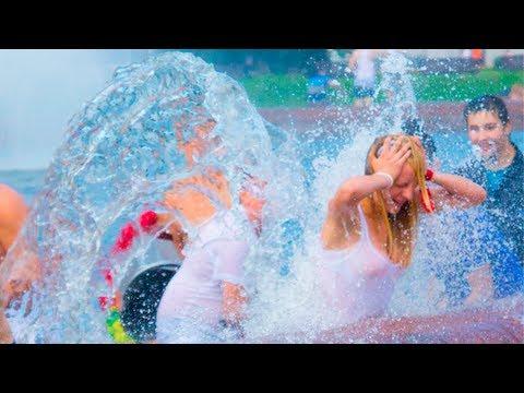 Водная Битва на ВДНХ часть 1: ношение девушек в фонтан / Water Battle flashmob – webcounters