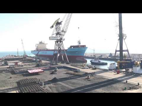 Maersk Idaho undocks from ASRY Graving Dock