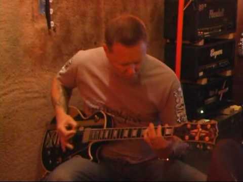 James Hetfield singing & riffing My Apocalypse