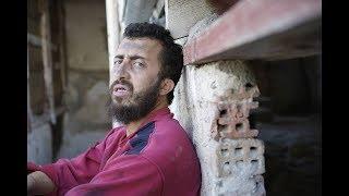 """""""راني زعفان"""".. فيديو ناقد لأوضاع الجزائر بمحاكاة مشرّد شهير يثير جدلاً كبيراً ـ (شاهد)"""