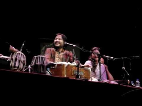 Maula mere Maula Live with Roop Kumar Rathod UK 2012