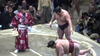 20140125 大相撲初場所14日目 鶴竜 vs 稀勢の里 キセノン足が悪いようで...