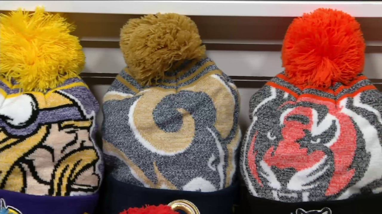 40ac585d159 NFL Cuff Knit Hat with Detachable Pom by New Era on QVC - YouTube