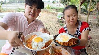 Phản ứng của chủ tịch Út Yêu khi ăn mì sữa(Pasta) của Hoon béo nấu