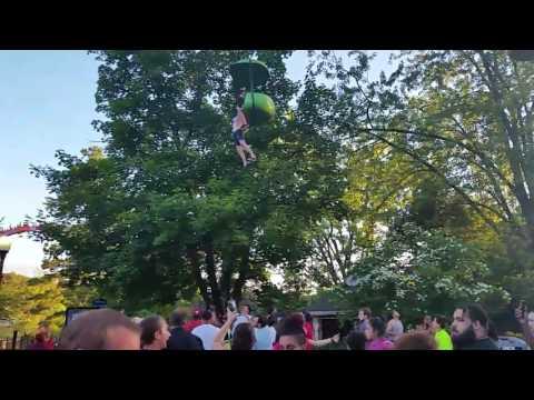 Woman falls from Six Flags Great Escape ride Incident grave à sixflags Great Escape vidéo 5