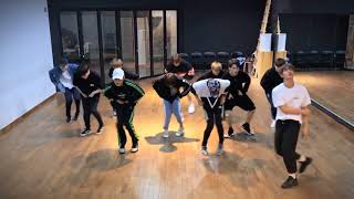 THINGS YOU DIDNT NOTICE IN WANNA ONE BURN IT UP DANCE PRACTICE