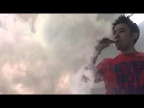 Раскурился — много пара от электронной сигареты