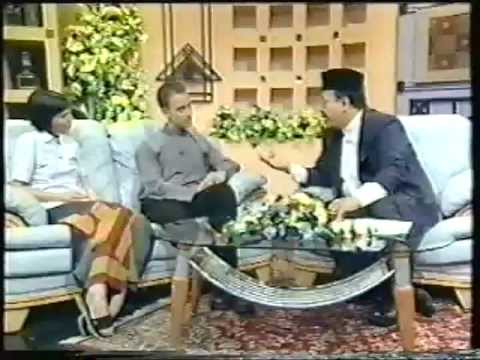Asia Pacific Applied Arts Forum - Interview, Brunei 2002