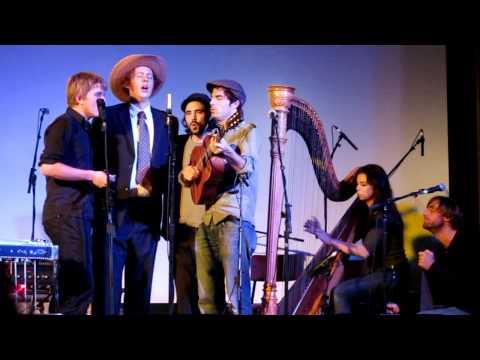 Patrick Watson, Li'l Andy, Joe Grass, Brad Barr - Jesus is a Rock in the Weary Land