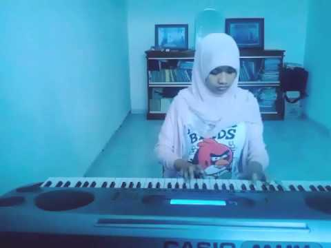 Bunda Melly Goeslaw Piano / Keyboard Cover