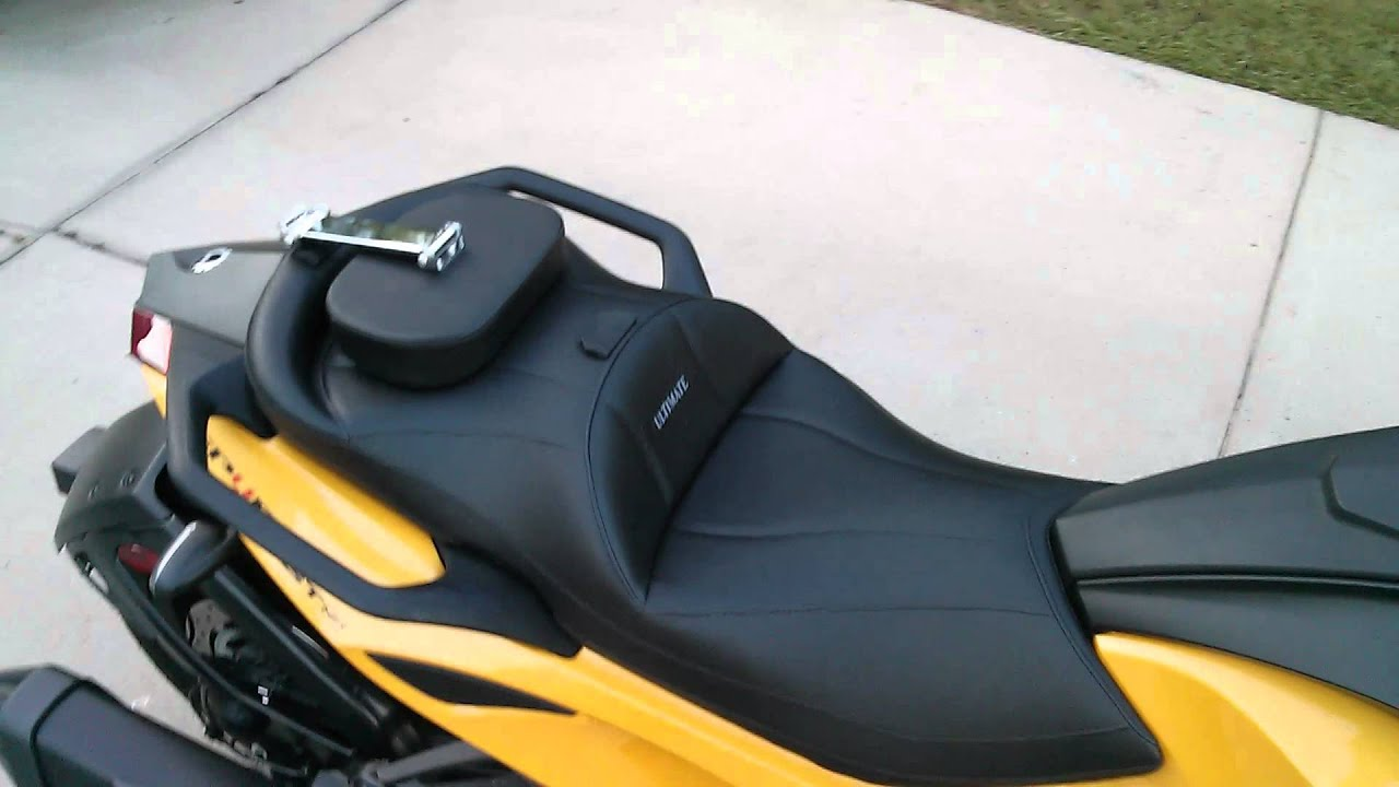 Can am spyder sts ultimate seat