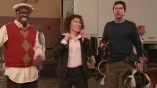 Beethoven gets a trailer and an entourage!  -  film clip from Beethoven's Big Break