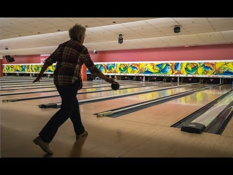 A perfect game for 87-year-old Quebec bowler Frances Best