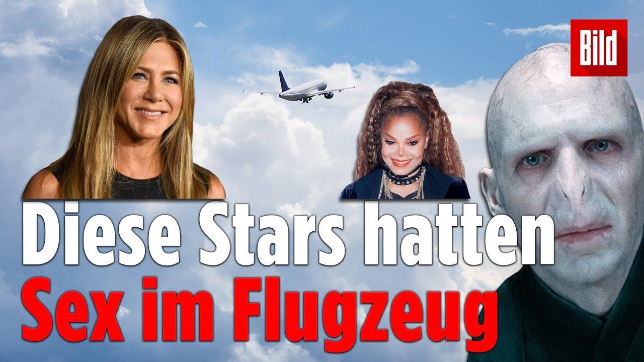 Diese 9 Stars hatten schon mal Verkehr IM Flugzeug