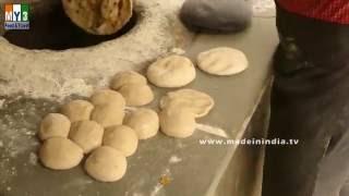 MAKING OF NAAN | HOW TO MAKE NAAN | STREET FOODS IN DELHI | INDIAN STREET FOODS