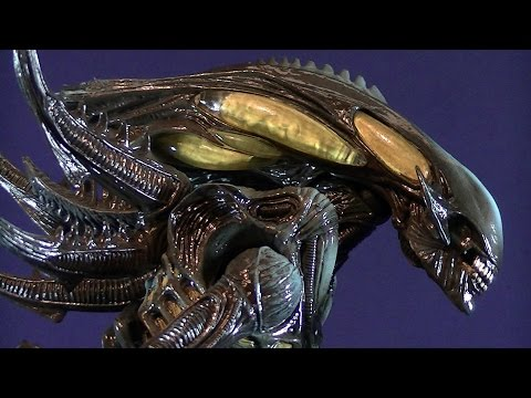 FROM THE CLEARANCE AISLE: ALIENS COLONIAL MARINES SPITTER ALIEN NO. 2 REVIEW