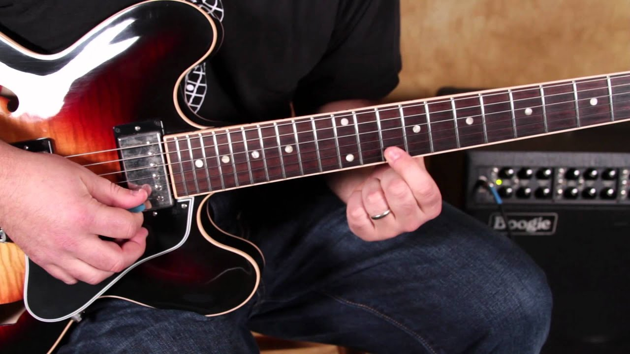 How to play fast blues licks on guitar a la stevie ray - How to play la grange on acoustic guitar ...