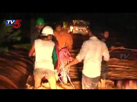 TV5 Great Coverage Report on Hudhud Cyclone : TV5 News