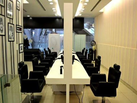 Beauty Salon Interior Design - Haircode Unisex Salon, Ghaziabad, India