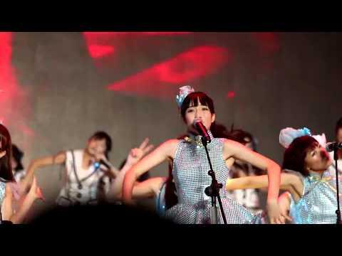 [HD] SNH48 Guang Zhou concert - Flying Get (Savoki 赵嘉敏 focus) 11.16.2013