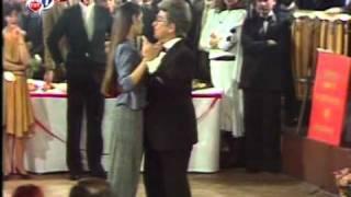 Zeki Müren - Gitme Sana Muhtacım (1984 Yılbaşı)