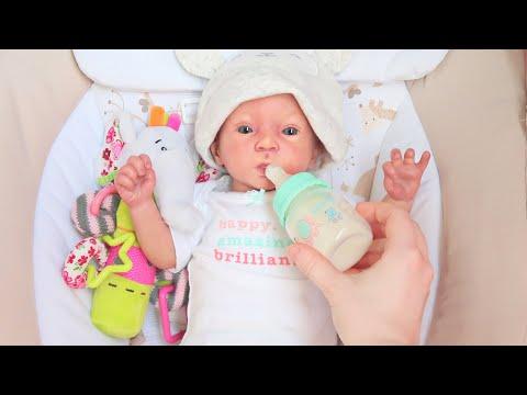 Кукла РЕБОРН Оля / Переодеваем, кормим молоком и готовим к дневному сну. Зырики ТВ