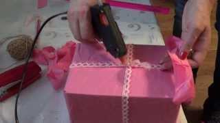 Идея упаковки подарков - Бант из бумаги!(Идея упаковки подарка - бант из бумаги! Сама основа-упаковка, видео здесь - http://youtu.be/Jpw4ajgDd5M Иногда мы покупае..., 2013-12-13T18:49:13.000Z)