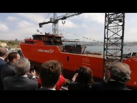 Astilleros Gondán bota en Castropol un buque de apoyo a parques eólicos marinos