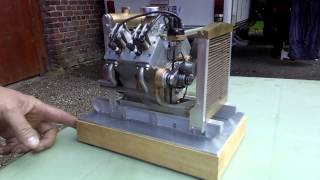 Moteur V4 miniature
