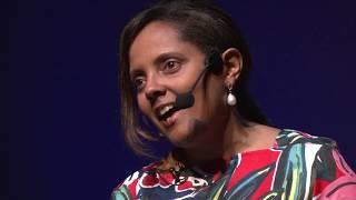 Cor de pele de quem? Representatividade na escola. | Gladis Kaercher | TEDxUnisinos thumbnail