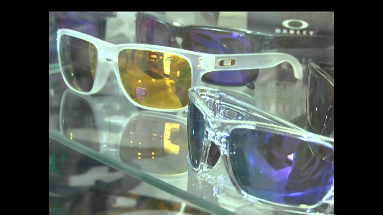 A la hora de comprar gafas de sol tenga en cuenta - YouTube 0e4abcabe7f0