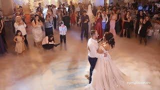 Невеста поет для жениха. Трогательная песня невесты. До слез