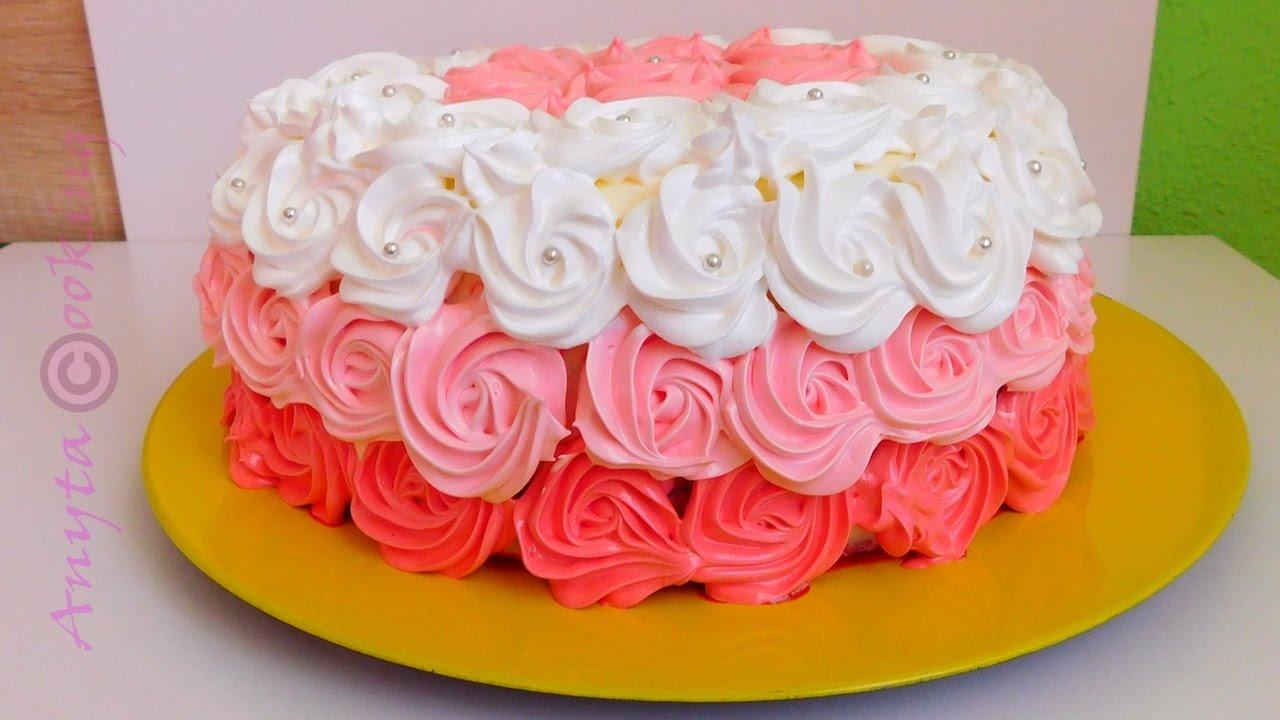 Tort decorat cu bezele