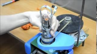 Шнуровязальная машина - 7 й класс.(Шнуровязальная машина. Данное приспособление предназначено для производства шнурков, которые используютс..., 2015-06-01T11:43:05.000Z)