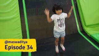 Download Video Lompat, Loncat, Jatuh! Lanjut Lagi! Wahana Bermain Anak - anak di Gandaria City! MP3 3GP MP4