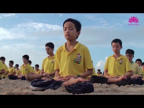 Ngồi thiền trên biển - Chân Quang 2015