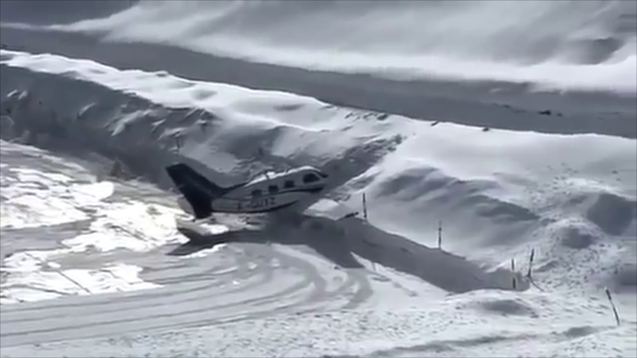 Piper Malibu Crashes in Courchevel while Trying to Land