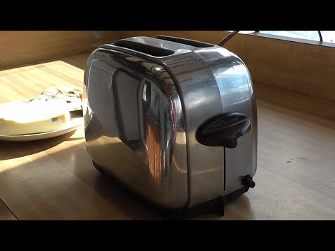 1939 ToastMaster 1B9 The Perfect Vintage Toaster