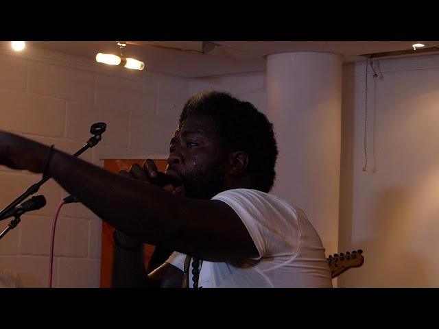 Sangue Bi en live au  Goethe Institut de Dakar  - Lola