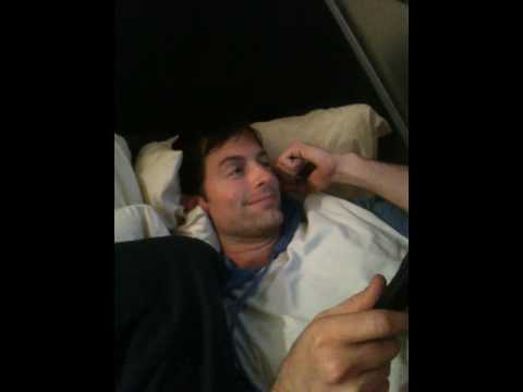 Michael Muhney grooves along to Neil Diamond!