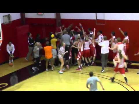 Bryan College student makes 4 amazing basketball shots to win $10,000