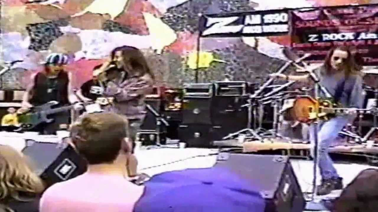 Download Pearl Jam - State Of Love And Trust [Live At The Mural Amphitheatre 1991]